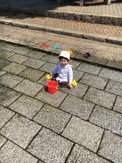 水遊びをする女の子の写真・画像素材[4654000]