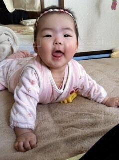 ご機嫌な赤ちゃんの写真・画像素材[4653996]