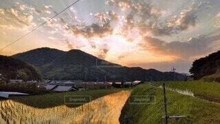 田舎の夕暮れの写真・画像素材[4464016]
