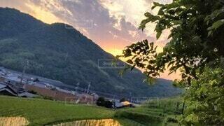 田舎の夕暮れの写真・画像素材[4464013]