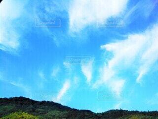 爽やかな青空の写真・画像素材[4464384]