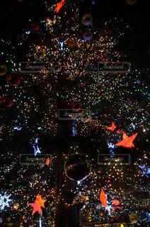 大きなクリスマスツリーの写真・画像素材[939571]