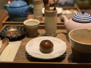 食べ物,スイーツ,コーヒー,屋内,和菓子,デザート,テーブル,おやつ,食器,お菓子,カップ,和,和スイーツ,ボウル,コーヒー カップ,受け皿
