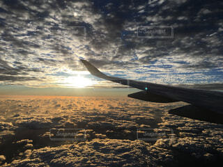 自然,海,空,屋外,朝日,雲,夕暮れ,飛行機,飛ぶ,旅行,旅,イベント,日の出,航空機,天国,ライフスタイル,ライン
