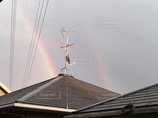 空,虹,電線,屋根,曇り空,景観,二重の虹,二重