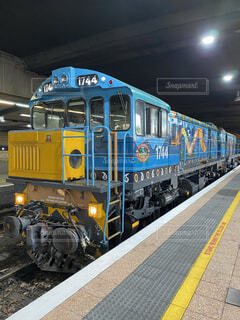 風景,駅,黄色,トラック,天井,オーストラリア,鉄道,キュランダ,車両,プラットフォーム,キュランダ鉄道,陸上車両