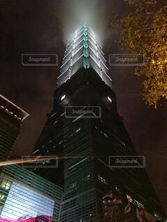 風景,空,建物,夜,夜景,夜空,屋外,タワー,都会,近代的,旅行,旅,高層ビル,台湾,明るい,建築,台北101,ナイトビュー,101タワー