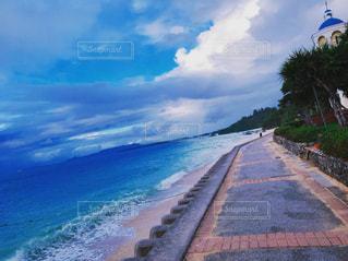 海の横にある水します。の写真・画像素材[898252]