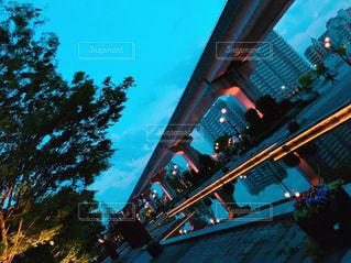 夜の街の景色の写真・画像素材[1248171]