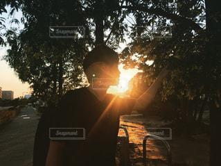 火に沈む夕日の写真・画像素材[1721564]