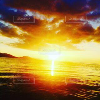 海,空,夏,夕日,太陽,水,夕焼け,光,癒し