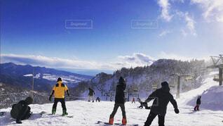 空,雪,屋外,山,人物,人,スキー,ハイキング,スノーボード,履物