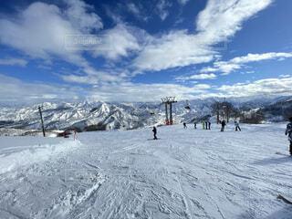 自然,空,雪,屋外,山,丘,人物,スキー,スノーボード,斜面