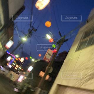空,夜,屋外,都会,明るい,通り,街頭,街路灯
