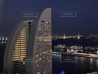 海,空,建物,屋外,水面,都市,タワー,高層ビル,港,みなとみらい,ダウンタウン,スカイライン