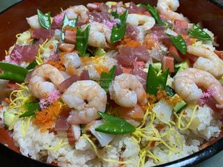 食べ物,食事,野菜,サラダ,エビ,ひな祭り,レシピ,ちらし寿司,初節句,錦糸卵