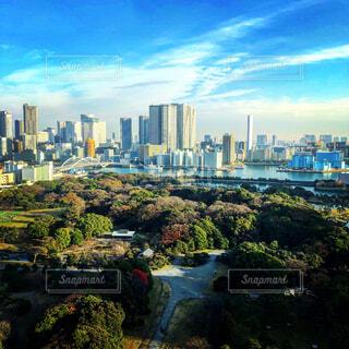 自然,空,建物,屋外,東京,雲,青空,川,樹木,都会,新緑,高層ビル,ダウンタウン,眺め,浜離宮,日中,スカイライン,汐留