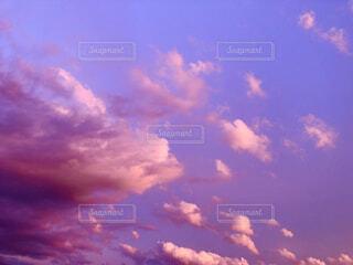 自然,空,春,夕日,群衆,屋外,雲,夕焼け,夕陽,色彩,コントラスト,紫色,日中,夏の空,エモい,晴れた空,四季折々