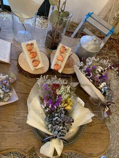 花,花瓶,テーブル