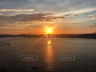 自然,風景,海,空,夕日,絶景,屋外,湖,太陽,ビーチ,雲,夕暮れ,水面,海岸,景色,地平線,sea,sun