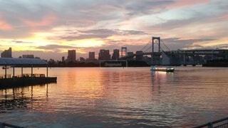 夕暮れの東京湾の写真・画像素材[4942363]