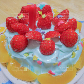食べ物,ケーキ,赤,カラフル,青,いちご,デザート,星,フルーツ,果物,皿,タルト,甘い,甘味,ベリー,おいしい,装飾,フルーツケーキ,誕生日ケーキ,菓子,ラズベリー,キャンディ,イチゴ,トッピング,毒々しい