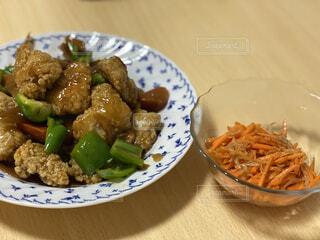 食べ物,テーブル,皿,サラダ,ブロッコリー,肉,レシピ,ファストフード