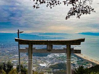 海,空,屋外,湖,雲,水面,樹木