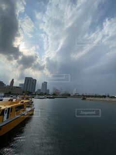 風景,空,屋外,湖,雲,ボート,船,川,水面,旅行,高層ビル,車両,水上バイク