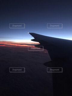 空,夕日,屋外,青,夕焼け,飛行機,オレンジ,航空機,航空,車両,航空宇宙メーカー