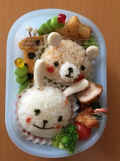 うさぎとくまときりんの幼稚園弁当の写真・画像素材[4480707]