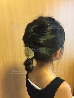 女の子、夏のまとめ髪の写真・画像素材[4480714]