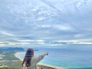 女性,風景,海,空,屋外,湖,ビーチ,雲,波,川,水面,海岸,樹木,人物,人,旅行