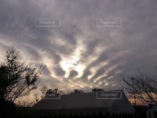 空,屋外,雲,樹木,不思議,変な雲