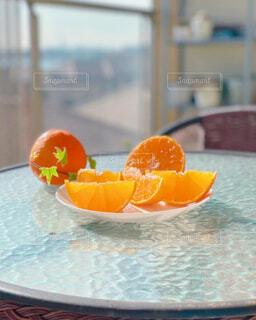 食べ物,ジュース,オレンジ,テーブル,果物,皿,スカッシュ,柑橘類,柑橘系,ブラッドオレンジ,シトロン,クエン酸,愛媛みかん,紅まどんな,スマイルカット,グレープ フルーツ,バレンシアオレンジ