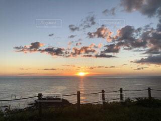 風景,海,空,屋外,湖,太陽,ビーチ,雲,夕暮れ,水面,日の出