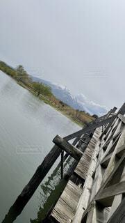 空,橋,屋外,湖,水面,山,景色,樹木,木目