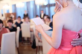 女性,風景,屋内,結婚式,花嫁,手紙,人物,人,ウェディングドレス,披露宴,感動,涙,ジューンブライド,人間の顔