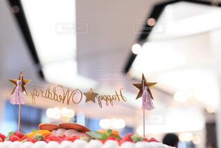 屋内,かわいい,結婚式,装飾,美味しい,披露宴,お洒落,ウェディングケーキ,HAPPY WEDDING,ケーキトッパー