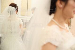 女性,アクセサリー,屋内,結婚式,花嫁,人物,人,ウェディングドレス,アイボリー,ジューンブライド,ベール,パーティードレス,ブライダルベール,ブライダル服