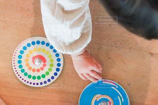 子ども,手,子供,人物,人,おもちゃ,こども,昭和,駒,玩具,コマ,昔のおもちゃ,昔の玩具
