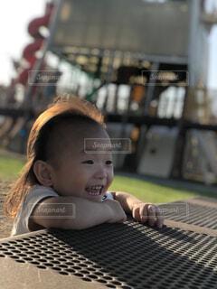 子ども,風景,公園,人物,人,笑顔,赤ちゃん,幼児,少年,2歳,ロン毛,人間の顔