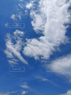 青空の雲の写真・画像素材[4578275]