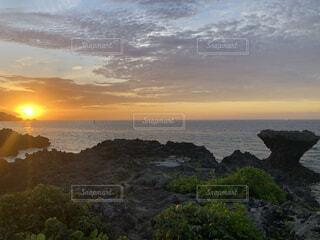 自然,風景,海,空,屋外,太陽,ビーチ,雲,夕暮れ,水面,パワースポット,朝,日の出