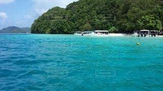 屋外,湖,ビーチ,ボート,島,船,水面,樹木,旅行,車両,休暇,水上バイク