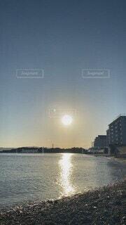 自然,海,空,太陽,夕焼け,夕暮れ,波,海辺,日没,癒し,波の音