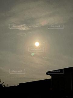 満月に満足!の写真・画像素材[4873849]