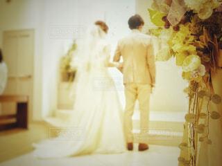 花,屋内,結婚式,花嫁,ウェディングドレス,教会,挙式,けじめ,愛の誓い
