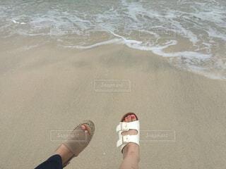 屋外,砂,ビーチ,サンダル,水面,人物,人,青春,履物
