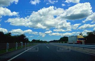 風景,空,屋外,雲,道路,高速道路,樹木,道,通り,くもり